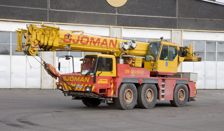 Liebherr-LTM-1050
